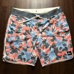 Quiksliver Floral Board shorts